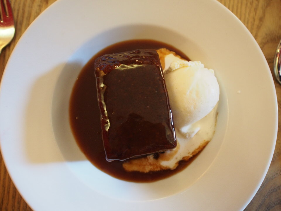 yorkshire sunday roast dinner sticky toffee pudding