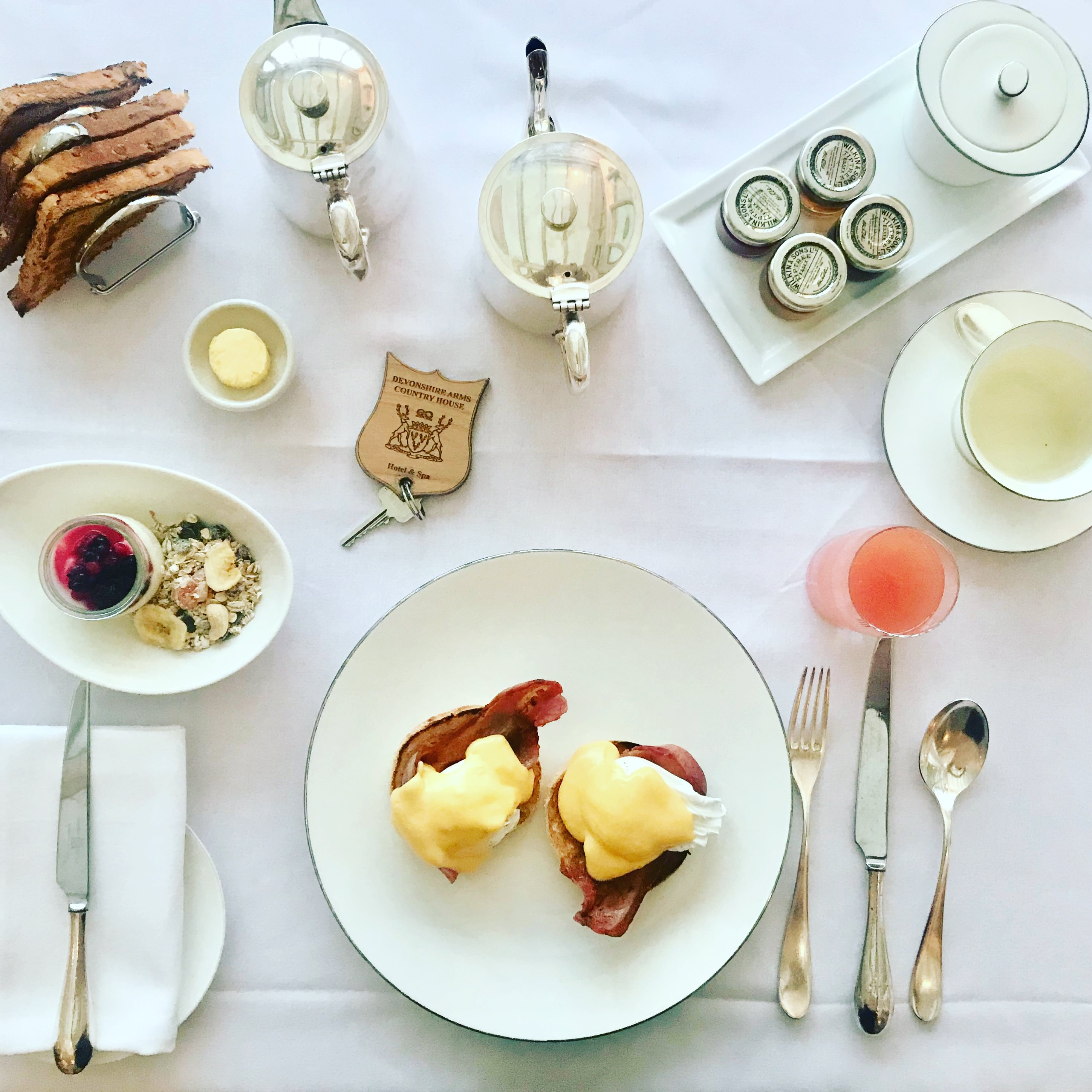 Devonshire Arms Hotel and Spa breakfast