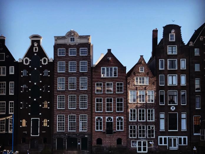 https://www.theharrogategirl.com/travel/amsterdam/