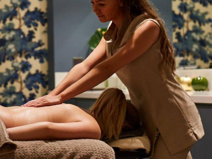 The Harrogate Girl-treatment room-spa