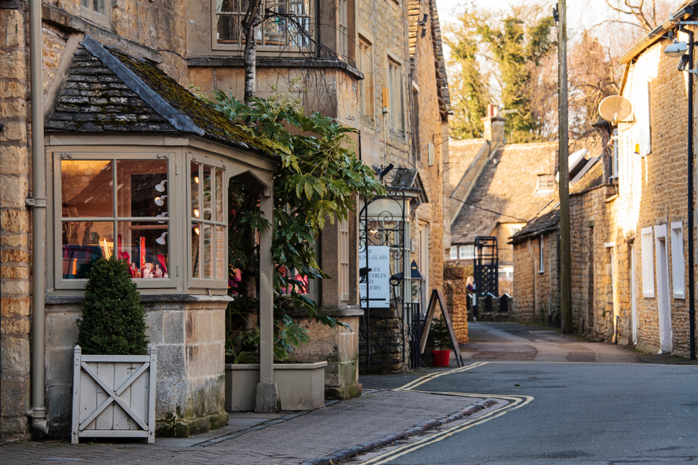 cotswolds cottages holiday travel the harrogate girl